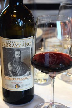bottle and glass of Chianti wine Wine And Liquor, Wine And Beer, Liquor Store, Whisky, Vino Y Chocolate, Impression Etiquette, Best Italian Wines, Grapes And Cheese, Chianti Classico