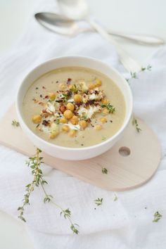 fork and flower: hearty roasted cauliflower & chickpea soup//