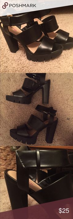 Black heels Only worn twice in great condition. Very comfortable size 7.5. Heel height is about 4 1/2 inches with 1 inch platform Shoes Heels