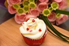 Red Velvet Chocolate Chip Cupcakes - Mozi's Menu