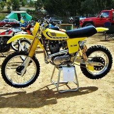 I absolutely am into everything that these guys did to this custom made Mx Bikes, Motocross Bikes, Vintage Motocross, Cool Bikes, Yamaha Motorcycles, Scrambler Motorcycle, Triumph Scrambler, Motorcycle Design, Bike Design