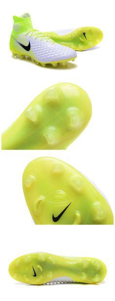 buy online a9655 581c2 Nouvelle Nike Magista amortis ciblés à la cheville et sous les lacets pour  un impact réduit lors des frappes.