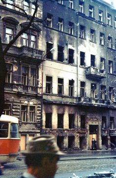 21 августа исполняется 45 лет со дня ввода войск стран Варшавского договора в Чехословакию. Решение было очень непростым, на альтернативой были только натовские… Visit Prague, Czech Republic, Vienna, Old Photos, Germany, Street View, August 21, City, Travel