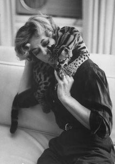 Mrs. Si Merrill and her pet ocelot, USA, November 1961.bg Photo: Al Fenn,