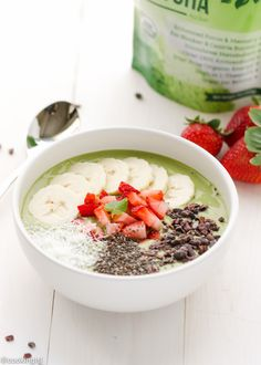 Matcha Green Tea Smoothie Bowl – easy to make for a quick nutritious and delicious breakfast/snack. Packed with superfoods like fresh strawberries, bananas, spinach and topped with shredded coconut, cacao nibs and chia seeds this smoothie bowl is light, fresh and delicious. Unlike smoothies, every time I make a smoothie bowl, I feel like I'm... Read More »