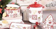 Geschirr und mehr in weihnachtlichem Design für den gedeckten Weihnachts- Tisch
