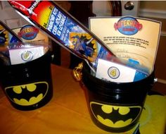 This site has a link to a great Batman printable that I'll need to decorate the Batman birthday cake!