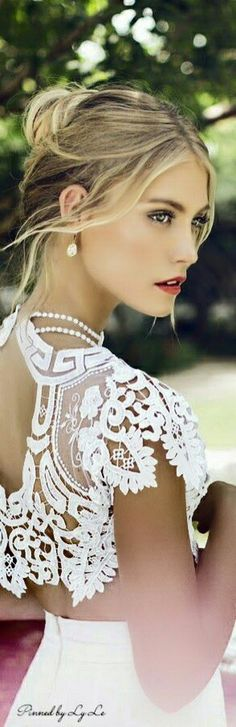 Multicolored Hair, Pearl And Lace, Southern Belle, Southern Charm, Looks Style, White Fashion, Simply Beautiful, White Lace, White Roses