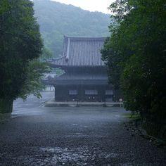 雨の泉涌寺 Sennyu-ji where it rains. #泉涌寺#京都 #Sennyuji  #kyoto by kouetu