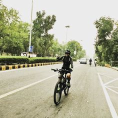 Ghost is the secret of my Energy #ghostindia #ghostkato5 #ghostcycle #cycling #cyclinglife #cyclography #cyclingshots #strava #stravacycle #ridewithme #mtbride #icommutebicycle #speed #feelingood #funride #mycyclemypride #liveinthemoment #liveingoodcompany #delhiroads #delhiride #excercise