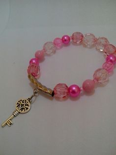 Pulseira rosa chave