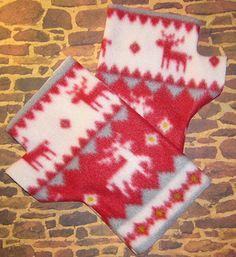 Fleece Fingerless Gloves Classic Reindeer by Handmadecrafter, $5.00