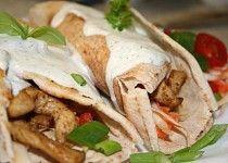 Gyros v Libanonském chlebu Tzatziki, Tacos, Pizza, Mexican, Ethnic Recipes, Mexicans