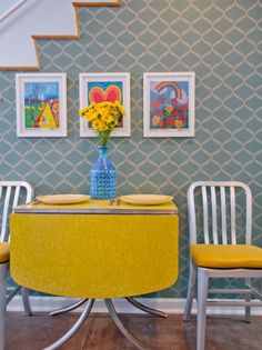 Apron Leaf | Collapsible Table | Yellow Flowers | Trellis Wallpaper | Blue Vase | Atomic Interiors | Retro Design | Colorful Rooms