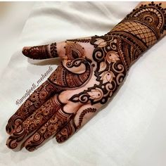 Bridal mehndi designs for every kind of bride Peacock Mehndi Designs, Henna Art Designs, Mehndi Designs For Girls, Modern Mehndi Designs, Dulhan Mehndi Designs, Mehndi Design Pictures, Wedding Mehndi Designs, Mehndi Designs For Fingers, Mehndi Patterns