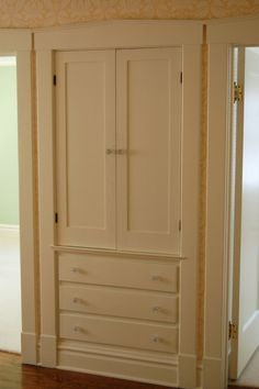 Built in Linen Closet - I had one just like this in my old apartment.