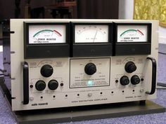 Vintage AUDIO RESEARCH D150 Stereo Power Amplifier.