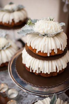 find singles trend/wedding-cake-trends-for-the-love-of-bundt-wedding-bundt-cake-recipe/ people fkktvsendung Cupcakes, Cupcake Cakes, Cupcake Ideas, Halloween Desserts, Halloween Cakes, Make Your Own Wedding Cakes, Cheesecake Wedding Cake, Nothing Bundt Cakes, Salty Cake