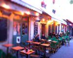 L'épicerie de la cour/ Le bleu cerise  6 cour des petites écuries, 75010, Paris.   Chateau d'Eau ou Bonne nouvelle