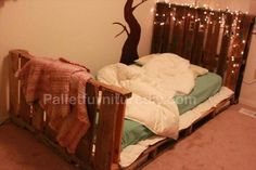 Kids pallet projects - Toddler Pallet Bed