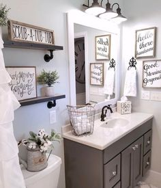 Magnificent Nice 47 Gorgeous Rustic Bathroom Decor Ideas to Try at your Apartment cooarchitecture.c… The post Nice 47 Gorgeous Rustic Bathroom Decor Ideas to Try at your Apartment cooarchite… ap . Upstairs Bathrooms, Downstairs Bathroom, Bathroom Renos, Master Bathroom, Mirror Bathroom, Bathrooms Decor, Decorating Bathrooms, Farm House Bathroom Decor, Bathroom Signs