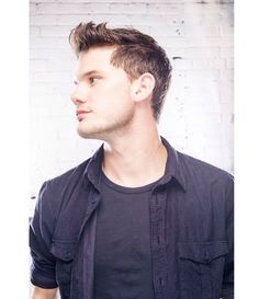 """Jeremy Irvine is a british actor, most known for his role in Steven Spielberg's """"War Horse"""" and many more like """"Now Is Good"""". He'll be in the upcoming """"Fallen"""" series. Beautiful Men, Beautiful People, Jeremy Irvine, Now Is Good, Luke Evans, Attractive People, British Actors, Celebs, Celebrities"""