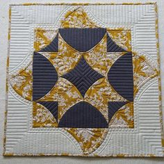 """""""Deco Shimmer"""" --  to my eye, this is the perfect layout for this pattern."""