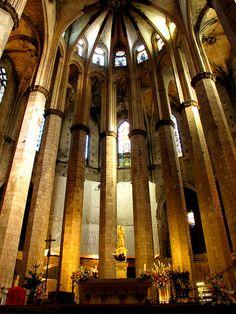 Barcelona - Santa Maria del Mar, my favorite book : ildefonso Falcones Barcelona Trip, Barcelona Catalonia, Destination Imagination, Positive Feedback, Place Of Worship, Gaudi, Adventure Is Out There, Best Cities, Santa Maria