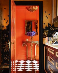Glossy, vivid walls infuse new age glamour into the New York City apartment of design historian Maureen Footer. The orange-lacquered walls of the entry way complement the Armand-Albert Rateau-inspired custom wallpaper in the butler's pantry Plywood Furniture, Smart Furniture, Refurbished Furniture, Painted Furniture, Bedroom Furniture, Modern Furniture, Furniture Design, Outdoor Furniture, Veranda Magazine