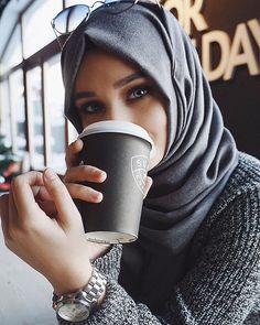 47 ideas for fashion show hijab casual 47 ideas fo Hijabi Girl, Girl Hijab, Hijab Outfit, Hijab Casual, Hijab Chic, Muslim Fashion, Hijab Fashion, Hijabs, Alexandra Golovkova
