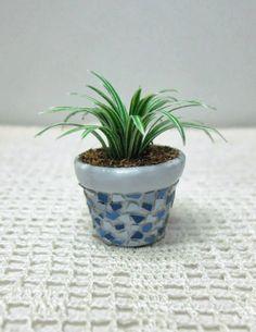 how to: eggshell mosaic plant pot