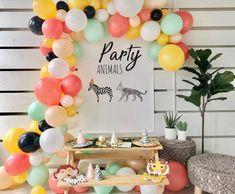 Toddler Birthday Themes, Girls Birthday Party Themes, Kids Party Themes, 1st Boy Birthday, Birthday Party Decorations, Animal Themed Birthday Party, Unique Party Themes, Birthday Nails, 1st Birthday Activities