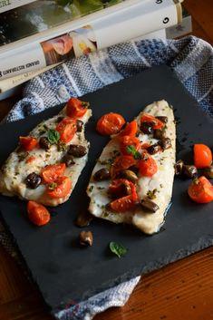 Olive, Bruschetta, Soul Food, Bagel, Vegetable Pizza, Italian Recipes, Healthy Recipes, Fish, Dinner