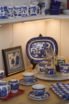 Kathryn Greeley Design is the premier interior design firm located in Waynesville, NC. Blue Willow China, Blue And White China, Blue Willow Decor, Blue Dishes, White Dishes, Willow Pattern, Blue Plates, China Patterns, Interior Exterior