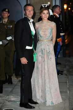 HRH Princess Clotilde of Savoy, Venice and Piedmont wore a ELIE SAAB Haute Couture Fall gown to the Luxembourg Royal Wedding Ball Royal Dresses, Sexy Dresses, Evening Dresses, Hollywood Fashion, Royal Fashion, Royal Family Portrait, Family Portraits, Elie Saab Dresses, Casa Real