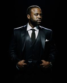 black thought of The Roots: mtDNA: Mende of Sierra Leone  Mandinka of Senegal.