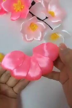 Recycle old materials into beautiful decorations 😍 Creative ideas about diy and crafts.Excellent diy flowers tips are readily available on our website. Take a look and you wont be sorry you did.Baby Girl Headband, Faux Suede Bow Clips or Headband, Ribbon Crafts, Flower Crafts, Fabric Crafts, Sewing Crafts, Paper Crafts, Sewing Tips, Diy Home Crafts, Diy Arts And Crafts, Creative Crafts
