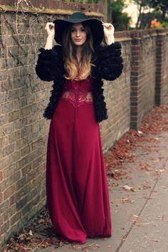 Burgundy dress with lace cutout black fur coat style Gypsy Style, Bohemian Style, Boho Chic, Style Me, Diesel Punk, Boho Fashion, Autumn Fashion, Ladies Fashion, Fashion Styles