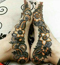 Attractive and Elegant Feet Mehndi Designs - Kurti Blouse Black Mehndi Designs, Khafif Mehndi Design, Mehndi Design Pictures, Beautiful Mehndi Design, Dulhan Mehndi Designs, Arabic Mehndi Designs, Simple Mehndi Designs, Mehndi Designs For Hands, Bridal Mehndi Designs