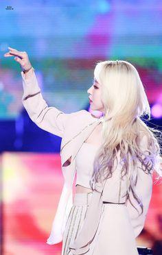 Rapper, Mamamoo Moonbyul, Cinderella, Disney Characters, Fictional Characters, Idol, Game Of Thrones Characters, Disney Princess, Beautiful