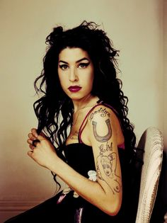 Amy Winehouse - a dubious entry to this pinboard. wonderful voice, amazing voice. tragic life