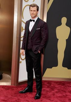 Chris Hemsworth at the Oscars http://berrytrendy.com/2014/03/03/academy-awards/