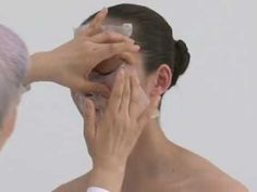 Japan's leading beauty expert, Chizu Saeki, demonstrates a technique from her book THE JAPANESE SKINCARE REVOLUTION.