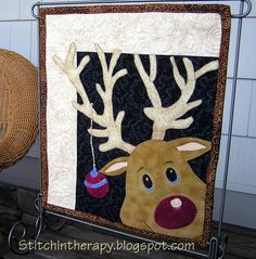 Stitchin' Therapy: Christmas Quilt Show 2012 and pattern