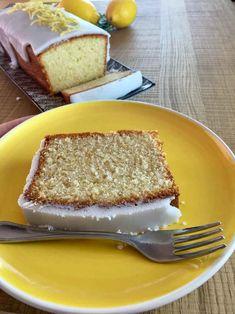 Budín de limón glaseado | Recetas de Cocina Argentina Fáciles y P Sweet Desserts, Sweet Recipes, Cake Recipes, Dessert Recipes, Argentina Food, Argentina Recipes, Pan Dulce, Healthy Baking, Sweet Tooth