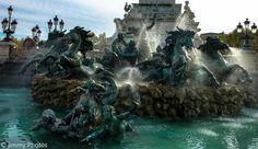 Fontaine des Girondins: les chevaux - Photo: Jimmy Photos