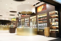 Nuance pioneers Lindt concept store at Zürich Airport | TheMoodieReport.com