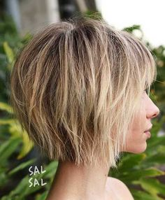 70 Overwhelming Ideas for Short Choppy Haircuts - Best Hair Styles EVER Choppy Bob With Bangs, Short Choppy Haircuts, Short Hair With Layers, Haircuts With Bangs, Short Bob Hairstyles, Short Choppy Bobs, Short Layered Bobs, Hairstyles Haircuts, Short Bob With Fringe