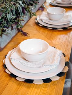 Fixer Upper, S3/E5 ~ Place setting on table in dining room #fixerupper #fixerupperstyle