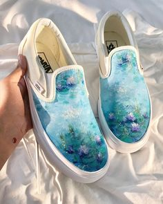 wayyyy too many people have reposted my art here so i thought i should do it too because well i painted this haha Painted Canvas Shoes, Custom Painted Shoes, Painted Sneakers, Hand Painted Shoes, Painted Vans, Vans Shoes Fashion, Custom Vans Shoes, Sneakers Mode, Look Boho
